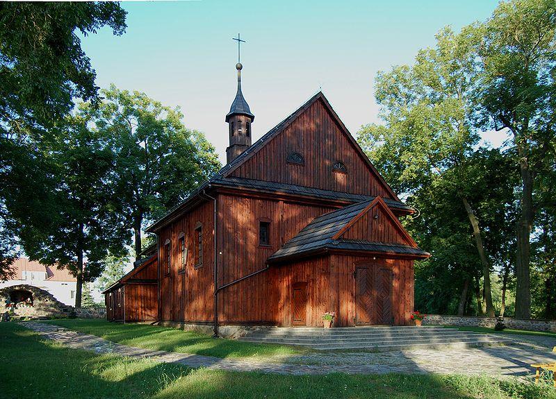 W tym kościółku / Zwola Poduchowna gm. Miastków Kościelny, pow. garwoliński/ w 1837 roku została ochrzczona Julianna Wiszniewska c. Ignacego, przyszła żona Wojciecha Chromińskiego ,/zdj.Wkipedia/.
